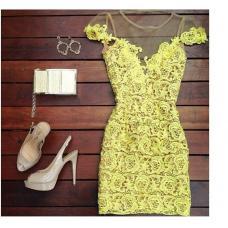 Женское короткое желтое платье
