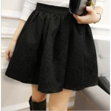 Короткая женская юбка куколка