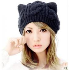Женская шапка кошка
