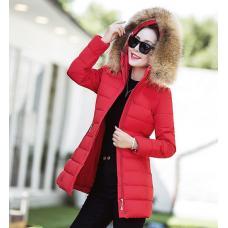 Зимняя женская куртка - меховой капюшон