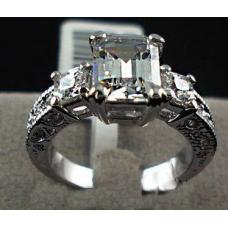 Женское кольцо Цирконий