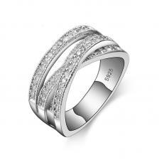 Элегантное кольцо цирконий